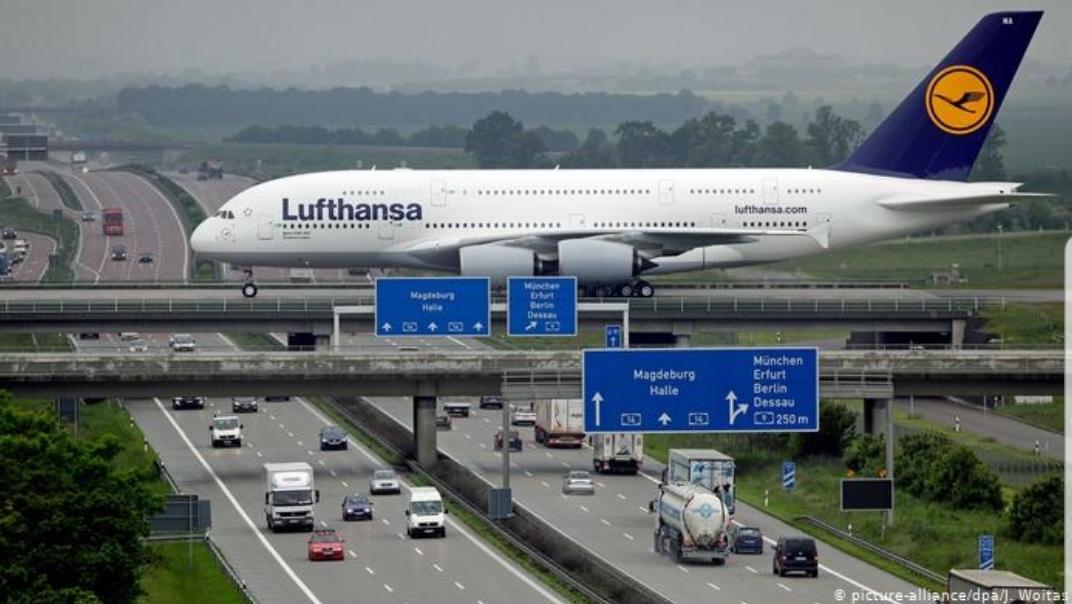 Lufthansa üç yıldan beri ilk kez zarar etti