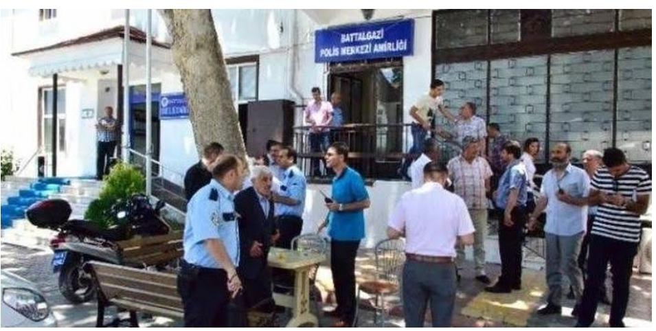 Malatya'daki karakolda korkunç olay! Polis, meslektaşını boğazını keserek öldürdü