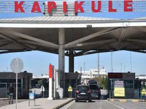 Bulgaristan vatandaşları, Kapıkule Sınır Kapısı'ndan günübirlik alışveriş için Edirne'ye gelmeye başladı.
