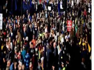 Londra da Avrupa taraftarlari yüzbinlerce kişi sokaklara döküldü